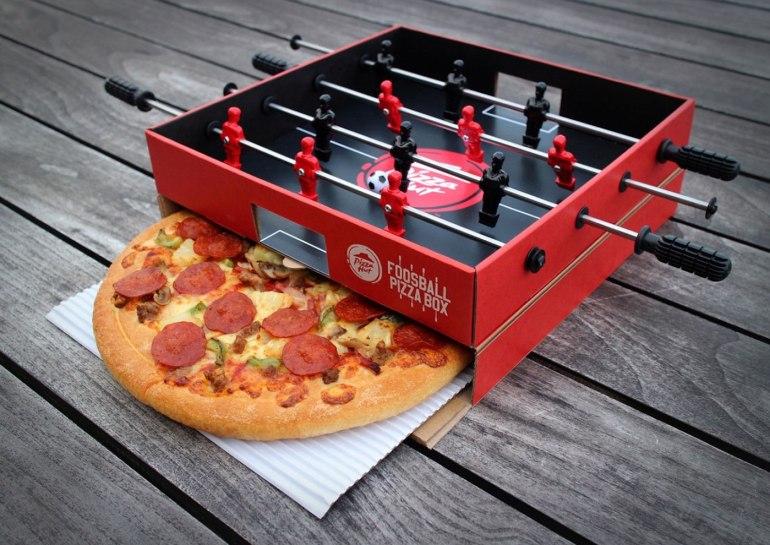 Pizza Hut s'en foot !